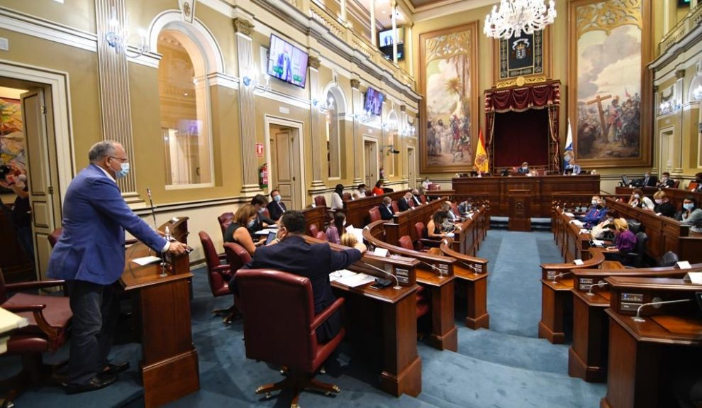 Casimiro Curbelo en el Parlamento de Canarias | Foto: ASG