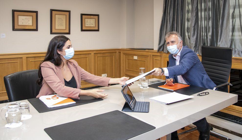Vidina Espino reunida con Ángel Víctor Torres | Foto: PRESIDENCIA DEL GOBIERNO DE CANARIAS