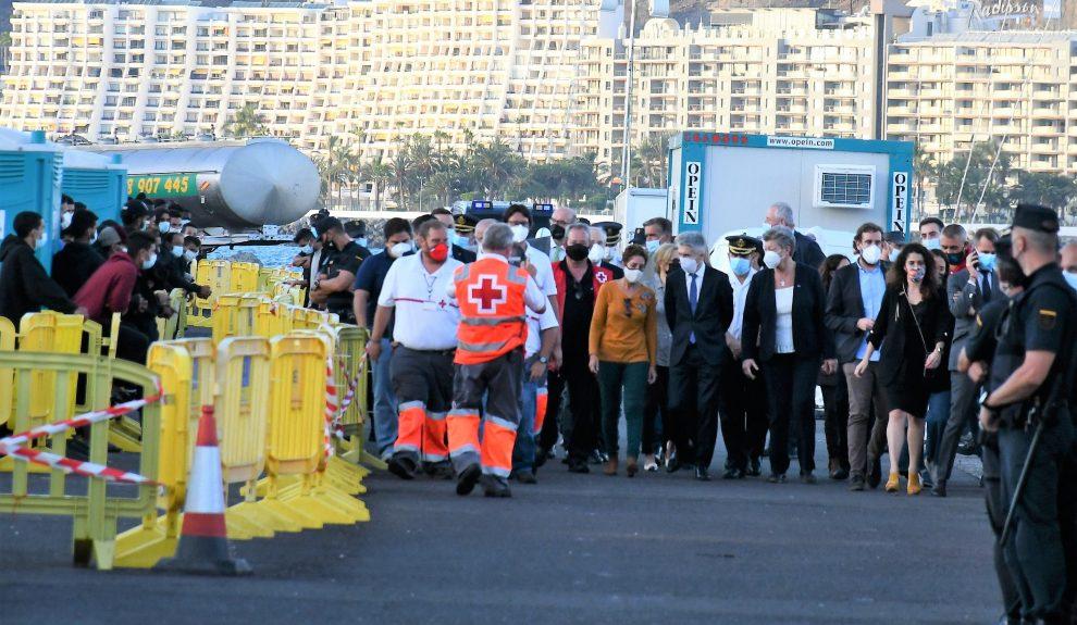 Visita del ministro Marlaska al muelle de Arguineguín | Foto: AYUNTAMIENTO DE MOGÁN