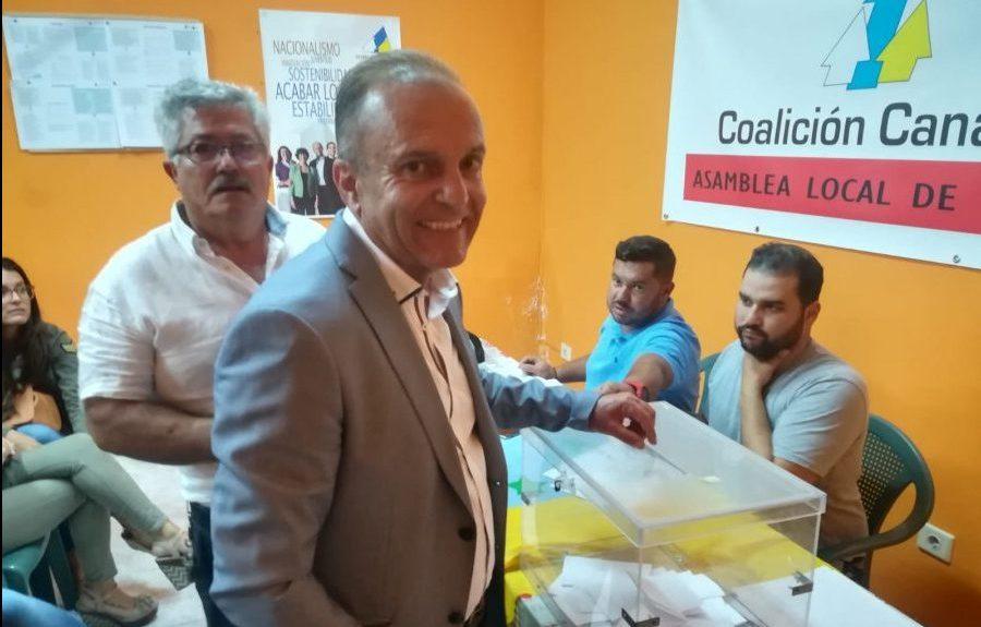 Jesús Machín votando en 2018 | CC LANZAROTE