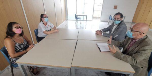 Representantes de la plataforma reunidas con el diputado del común el pasado noviembre | AFECTADOS POR LAS AYUDAS COVID-19