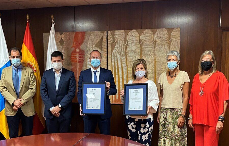 Alcalde y concejala reciben certificados AENOR de seguridad en el trabajo y gestión ambiental junto a directivas de Emalsa el pasado julio | AYUNTAMIENTO DE LAS PALMAS DE GRAN CANARIA