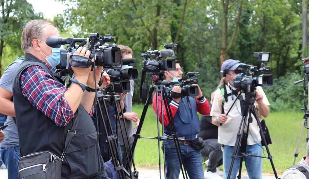 Periodistas   PIXABAY