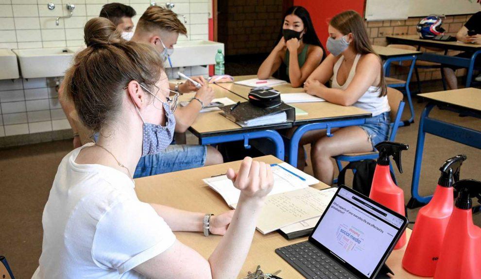 Alumnado de educación secundaria en un aula | PIXABAY