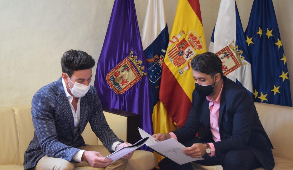 Alfredo Gómez (izq.) y Luis Yeray Gutiérrez el pasado octubre | AYUNTAMIENTO DE LA LAGUNA