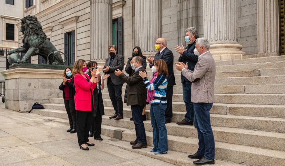 Teresa Ribera celebra la aprobación de la ley en el Congreso de los Diputados el pasado mayo   MINISTERIO PARA LA TRANSICIÓN ECOLÓGICA DEL GOBIERNO DE ESPAÑA