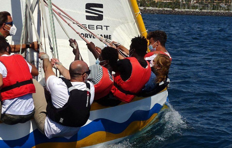 Tripulantes de uno de los botes de vela latina el pasado domingo | INSTITUTO MUNICIPAL DE DEPORTES DE LAS PALMAS DE GRAN CANARIA