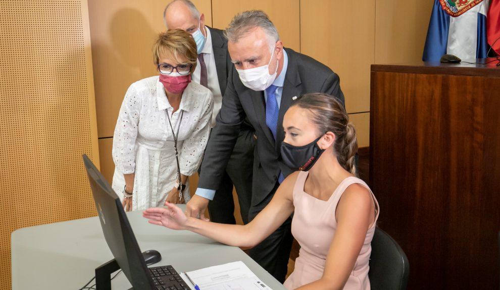 Elena Máñez y Ángel Víctor Torres de visita en la Cámara de Comercio de Santa Cruz de Tenerife | CONSEJERÍA DE PRESIDENCIA DEL GOBIERNO DE CANARIAS