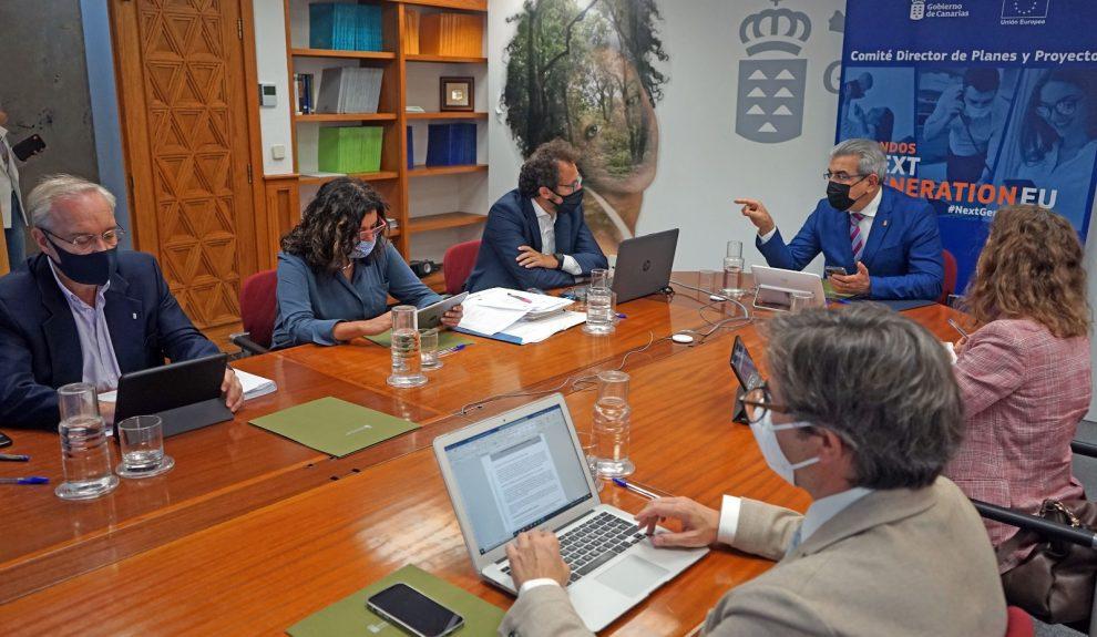 Román Rodríguez en una reunión de gestión de los fondos europeos extraordinarios de reconstrucción el pasado junio | CONSEJERÍA DE HACIENDA, PRESUPUESTOS Y ASUNTOS EUROPEOS