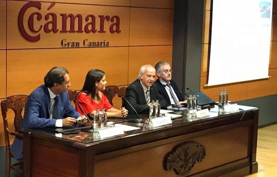 Santiago de Armas hablando | CÁMARA DE COMERCIO DE GRAN CANARIA