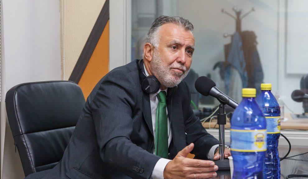 Ángel Víctor Torres en nuestros estudios esta mañana   ACFI